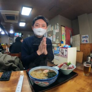 Read more about the article 川崎グルメ:蕎麦屋『八千代』川崎区追分町の「何でも食堂」