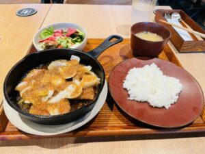 Read more about the article ホテル×地元で「縁」を生み出す!川崎区の『縁道食堂』